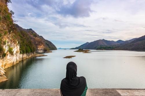 7789078748_les-saoudiennes-ont-enfin-le-droit-de-voyager-comme-bon-leur-semble