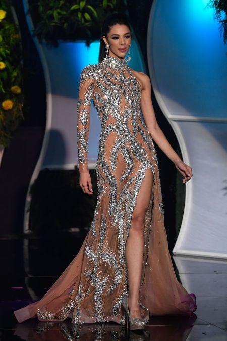 la-joven-thalia-olvino-gano-la-corona-del-miss-venezuela-2019-1